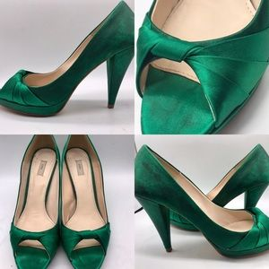 Zara Basic emerald green satin peep toes heels